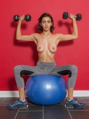 cosmid belle topless